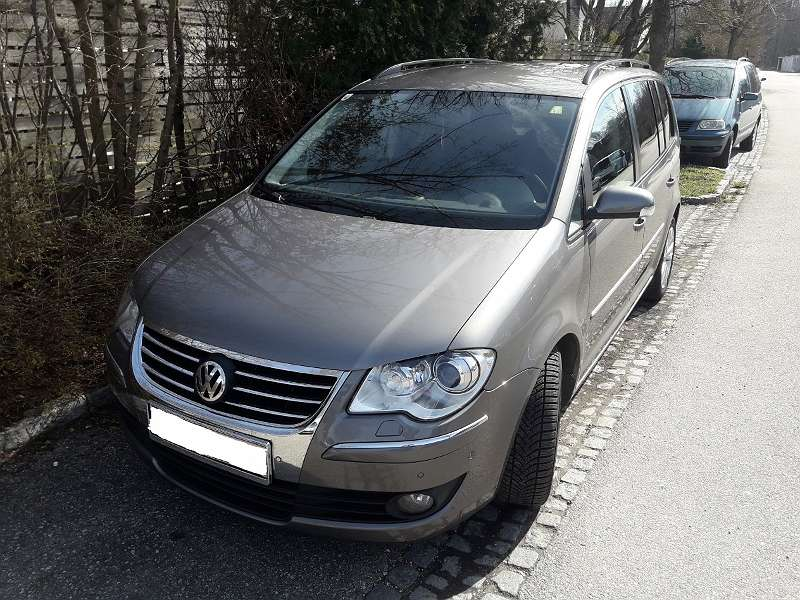 VW Touran Kombi / Family Van, 2008, 186.000 km, ¬ 9.000,- - willhaben