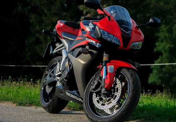 Honda CBR 600RR PC40, ¬ 5.200,-